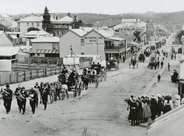 Schoolgirls infront of Ladies College, Carp Street, Bega